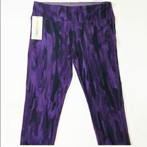 Marika Sport Purple Abstract Capris